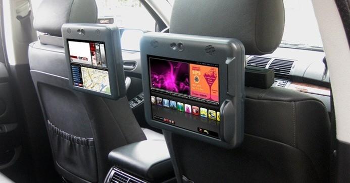 Tìm hiểu hình thức quảng cáo màn hình Lcd trong xe taxi