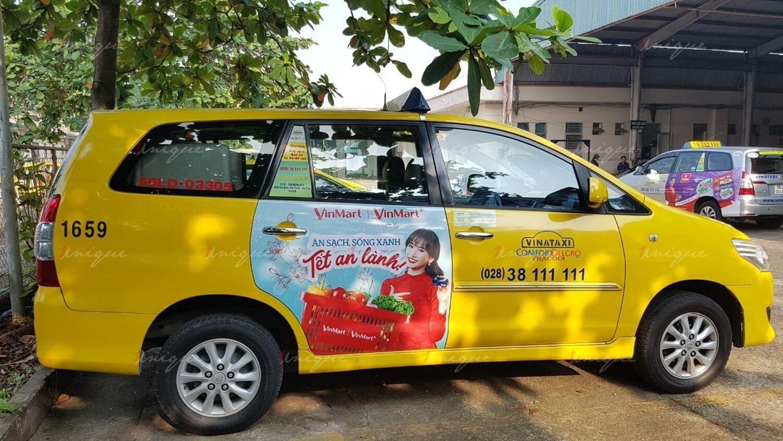 vinmart quảng cáo trên taxi